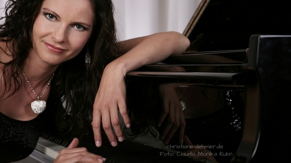 Christiane Dehmer - Lounge Jazz Pop Nu Jazz Ambient Improvisation Pop Synthiepop Live Act in Waldbrunn
