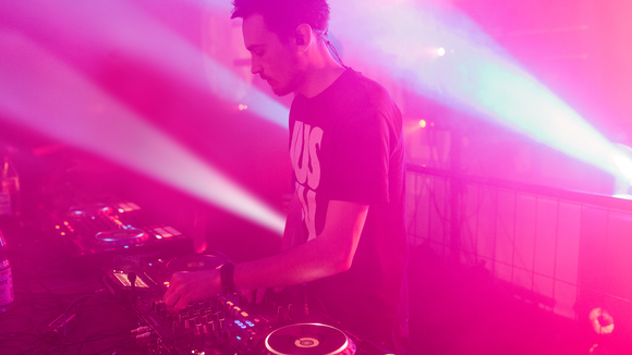 BUGBOX - Dance Music House Electro Progressive House Deep DJ in Kassel