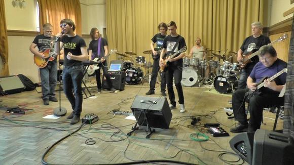 Gitármánia - Rock Classicrock Cover Fusion Traditional  Live Act in Budapest