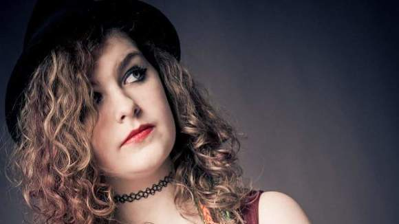 Amy Louise - Acoustic Acoustic Pop Rock Cover Indie Live Act in Doncaster