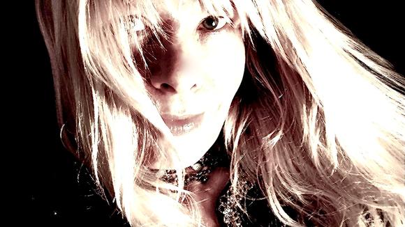 Katja Luhtala - Alternative Singer/Songwriter Alternative Rock Live Act in Helsinki