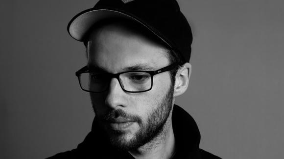 Adam Kreuza - Electro Techhouse Minimal Techno Minimal House Minimal Electro Dubtechno Techno Minimal Electro Dark Techno Electronic Music minimal synth Deep Deep Techno DJ in Regensburg