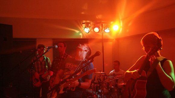 Gentle Breeze - Rock Singer/Songwriter Live Act in Blankenheim