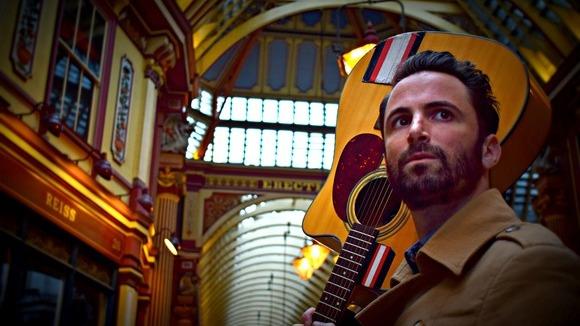 Mark Mathews - Singer/Songwriter Folk Indiepop Britpop Rock Live Act in London