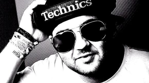 Dennis B.(Official) - Techno Minimal Techno Techno Dark Techno Deep Techno DJ in Veldenz