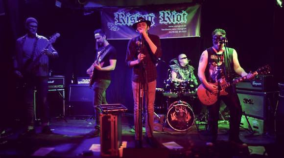 Rising Riot - Elektro Rock Blues Rock Rock Elektro Rock Heavy Blues Live Act in Krefeld