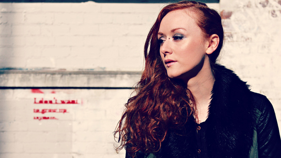 Rosie Bans - Singer/Songwriter Alternative Pop Pop Melodic lyrical Live Act in Glasgow