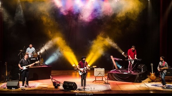 About A Soul - Rock Pop Live Act in Americana