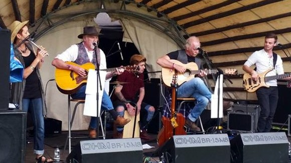 Musaic - Irish Folk Acoustic Roots Celtic Folk Irish Live Act in Rochdale