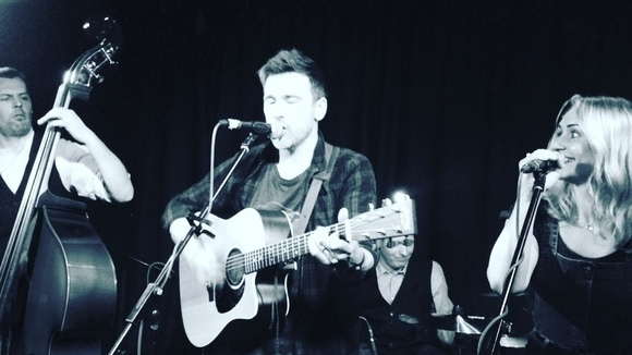 Ernest Rambles - Alternative Folk Alternative Acoustic Melodic Indie Live Act in Inverness