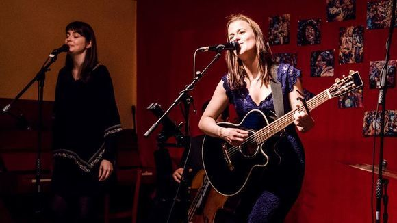 Claudia Heidegger - Folk Pop Singer/Songwriter Acoustic Pop New Folk Folk Pop Live Act in Wien