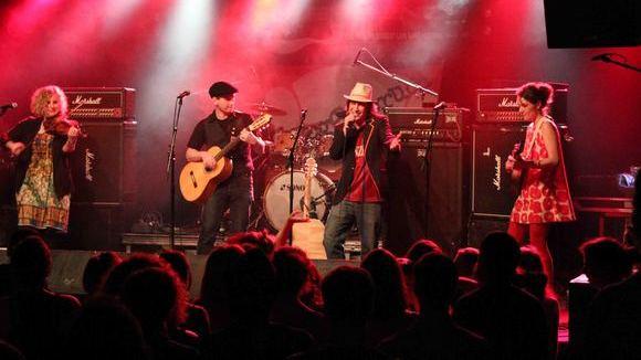 Zargenbruch - Folk Liedermacher Worldmusic Live Act in Berlin
