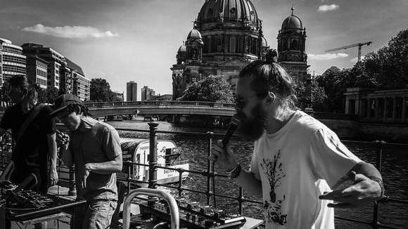 der brennende Zirkus - Pop Dub Rap Electro Hip Hop Reggae Improvisation Human Beatboxing Live Act in Berlin