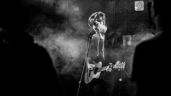 Nikos - Singer/Songwriter Indiepop Pop Acoustic Pop Rock Live Act in Oberstenfeld