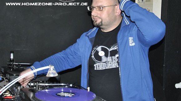 DJ BASS N-R-G - Techno Electro Classics Hardstyle DJ in Halle/Saale