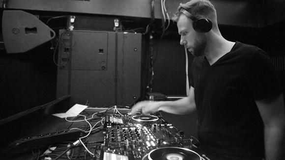 Eldohorian - Techno Electro DJ in Wien