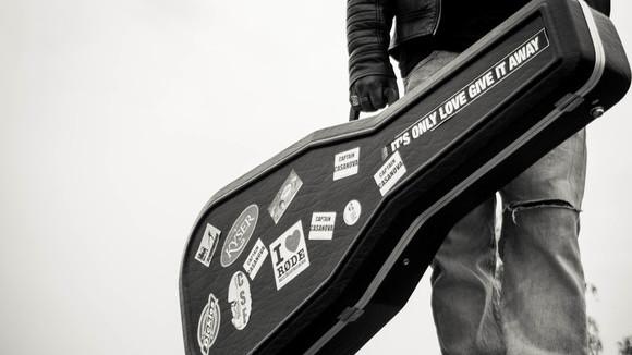 The Shadow Of - Acoustic Rock Blues Rock Singer/Songwriter Acoustic Pop Rock Live Act in Copenhagen