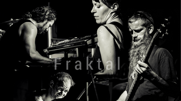 Fraktal - Progressive Rock Postrock Instrumental Atmospheric Progressive Rock Live Act in Dresden