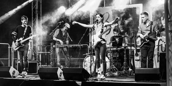 Fürbaß - Pop Singer/Songwriter Pop Rock Guitar pop Live Act in Zweibrücken