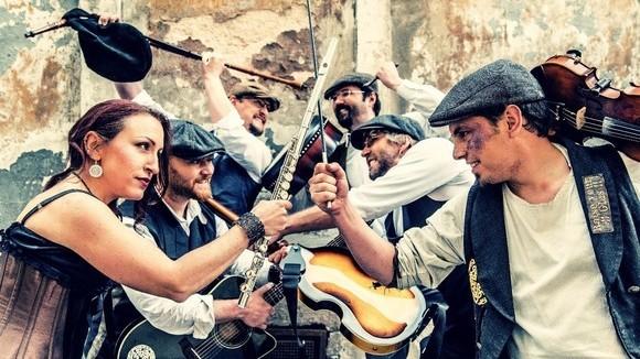 Tir Nan Og - Folk Folk Rock Live Act in Neuburg an der Donau