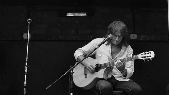 John R Chatterton - Fingerstyle Rock Cover Melodic Live Act in Liverpool
