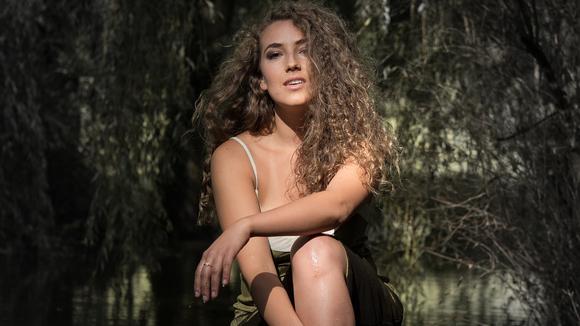 Marjolaine - Alternative Pop Singer/Songwriter Electronic Dream Pop Indie Live Act in Brandenburg