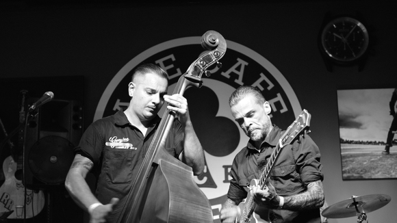 The 69ers - Rock and Roll Blues Rockabilly Surf WESTERN SWING Live Act in Luzern