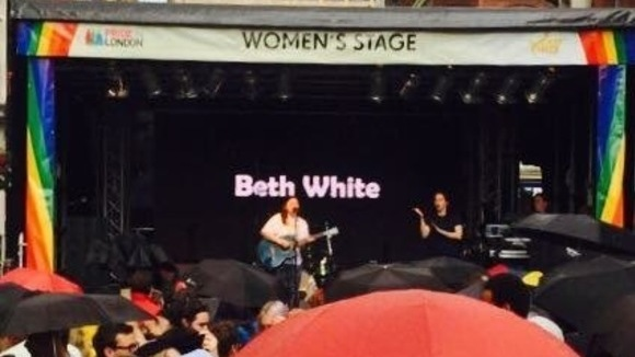 Beth White - Singer/Songwriter Live Act in London