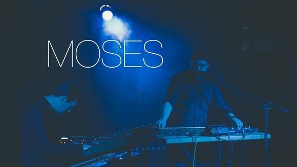 Moses - Elektro Organic Electronic Music Deutsch Deutsche Texte Electropop Live Act in Aachen