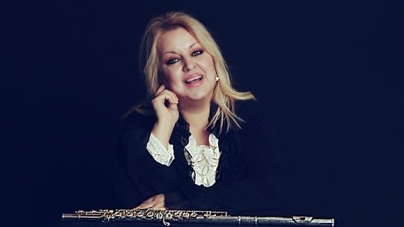 Mihriban Aviral Flute Soloist  - Latin Jazz ethno-fusion Cover Melodic Ethnojazz Live Act in Ankara