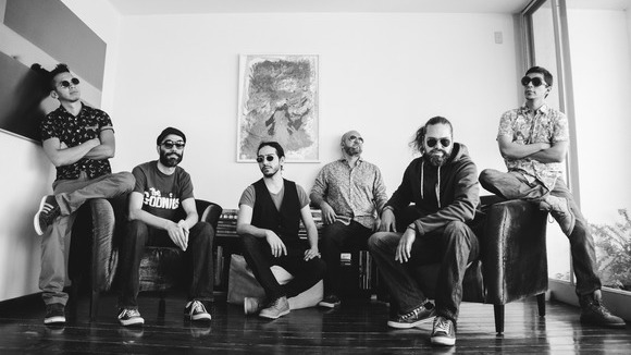 Fiusha - Funk Rhythm & Blues (R&B) Rock 'n' Roll Hip Hop Melodic Live Act in México