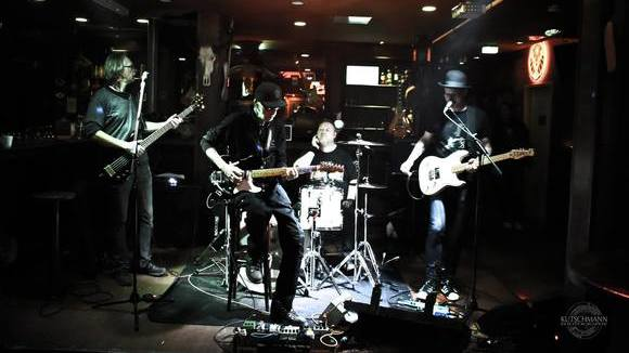 Mad Dog - Cover Blues Rock Acoustic Pop Rock Party Live Act in Tostedt