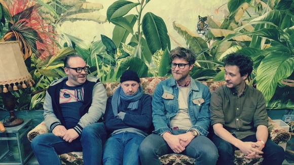 Renton Jules - Indiepop Alternative Pop Singer/Songwriter Indiepop Indie Live Act in Antwerp