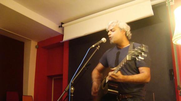 Zomb Menon - Alternative Singer/Songwriter Rock Live Act in Leipzig