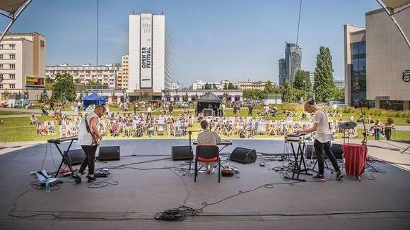 SALK - Alternative Pop Ambient Folk Alternative Rock Electropop Live Act in Cracow