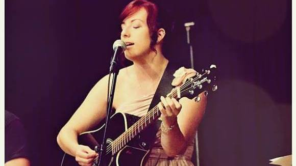 Lena Schneider - Singer/Songwriter Pop Live Act in Hamm
