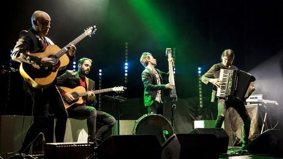 Magasin du Café - Instrumental Contemporary Worldmusic Electro-acoustic Gypsy Live Act in Piedmont