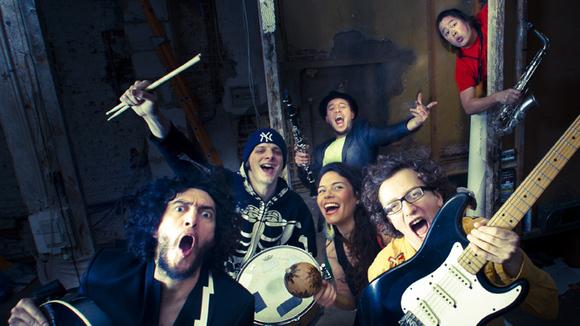 La Chiva Gantiva - Worldmusic Afrobeat Latin Live Act in Brussels
