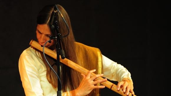 Rina Chandra - Worldmusic Improvisation Live Act in Wien