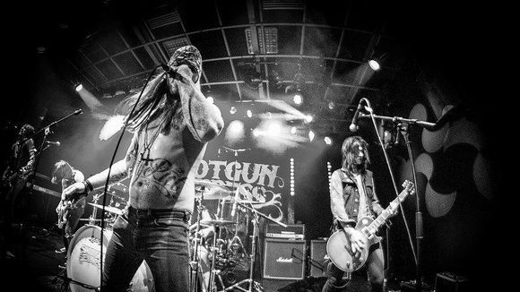 SHOTGUN EXPRESS - Rock Hard Rock Rock Live Act in Stuttgart