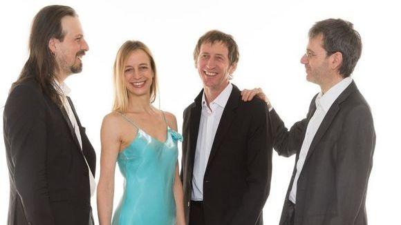 Regina Degado & Her Married Men - Pop Jazz Acoustic Pop Latin Jazz French Live Act in Karlsruhe