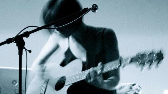 Sally Hossack - Singer/Songwriter Live Act in London