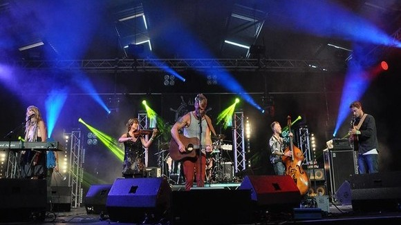 The Grenaways - Folk Alternative Live Act in Polzeath