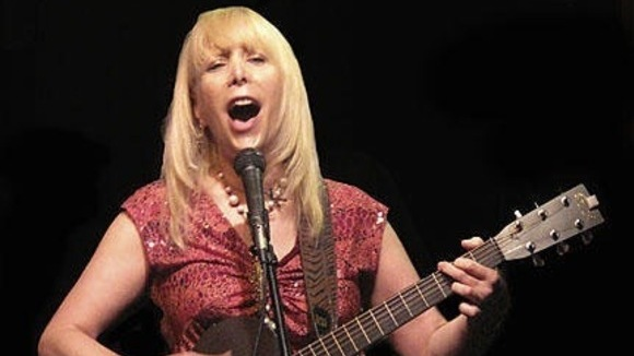 RISA HALL - Singer/Songwriter Live Act in BURY, LANCS.