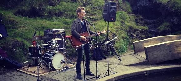 Sveinn Guðmundsson - Singer/Songwriter Folk Melodic Alternative Folk Indie Live Act in Hafnarfjörður
