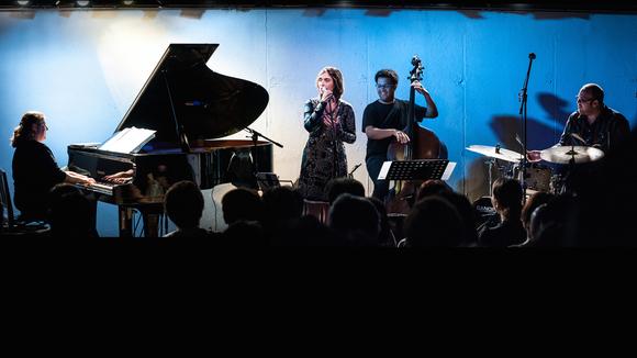Dani & Debora Gurgel Quarteto - Jazz SambaJazz Brazilian Jazz Live Act in Sao Paulo