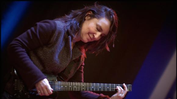 Corrie van Binsbergen Solo - Jazz Free Improvisation Live Act in Amsterdam