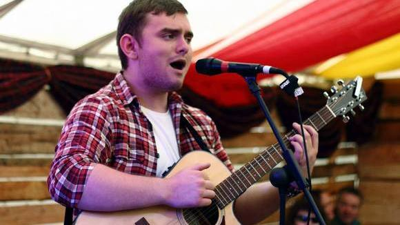 Gavin Little Music - Singer/Songwriter Live Act in Dumbarton, Scotland