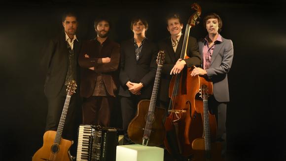 LES DOIGTS DE L'HOMME - Jazz Gypsy Jazz manouche Live Act in Saint Jean de Muzols