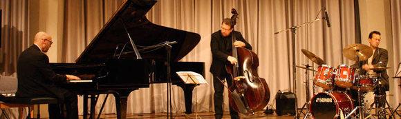 Lucas Heidepriem Trio - Jazz Modern Jazz Live Act in Freiburg (Breisgau)